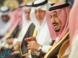 خادم الحرمين يستقبل أصحاب السمو والفضيلة والمعالي وجمعاً من المواطنين