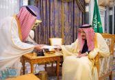 خادم الحرمين الشريفين يتسلم رسالة من ملك البحرين