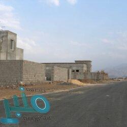 مركز الملك سلمان للإغاثة يوزع 16,300 كرتون من التمور في تعز وشبوة والمهرة