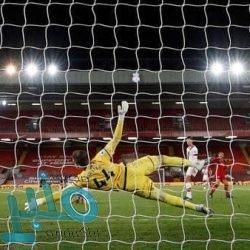 أغويرو يعتذر عن إهداره ركلة جزاء في مباراة مانشستر سيتي ضد تشيلسي