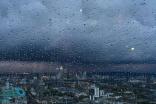 """""""الإنذار المبكر"""": أمطار رعدية تؤدي إلى جريان السيول على بعض المناطق"""