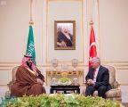 ولي العهد يلتقي رئيس وزراء تركيا