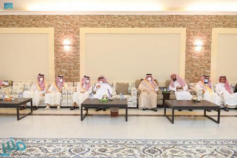 سمو أمير منطقة الرياض يعزي أسرة معالي الشيخ ناصر الشثري رحمه الله