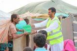مركز الملك سلمان للإغاثة يواصل لليوم التاسع توزيع وجبات إفطار الصائم في محافظة مأرب