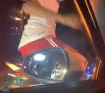 فيديو لشخص يقوم بحركة غير لائقة تجاه قائدة مركبة برفقة أطفالها تثير استنكار مواقع التواصل