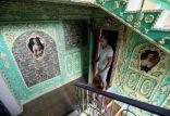 أوكراني يحول بيت درج منزله للوحة ابداعية