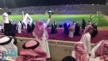 شاهد: طالب بجامعة الطائف يحتفل على طريقته الخاصة في حفل تخرجه!