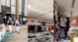 شاهد: لحظة مداهمة الفرق الرقابية محل يسوق لمنتجاته المخالفة عبر سناب شات