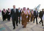 بالصور.. وزير الخارجية الأمريكي مايك بومبيو يصل للرياض في أول زيارة خارجية له