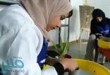 بالفيديو: فتيات سعوديات يتقنّ حرفاً يدوية ويوقعن عقوداً بملايين الريالات