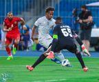 الهلال يضرب شباب الأهلي بثنائية ويتصدر مجموعته في دوري أبطال آسيا