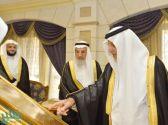 """""""الفيصل"""" يدشن أول موسوعة إلكترونية للشعر العربي بإشراف جامعة أم القرى"""