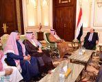 الرئيس اليمني يناقش مع الجانب السعودي إعادة إعمار المحافظات المحررة