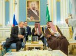 خادم الحرمين الشريفين يستقبل الرئيس الروسي .. ويقيم مأدبة غداء تكريماً له