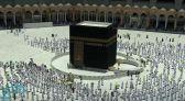 وسط التزام  بالإجراءات الاحترازية .. المصلون يؤدون آخر صلاة جمعة في رمضان بالمسجد الحرام