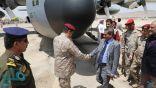 وصول رئيس هيئة الأركان العامة للجيش اليمني إلى مطار سيئون