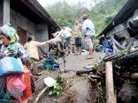 مصرع شخصين وفقدان العشرات إثر انهيارات أرضية في إندونيسيا