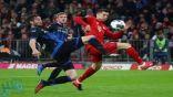 ليفاندوفسكي يقود بايرن ميونخ لفوز صعب على باديربورن والاحتفاظ بصدارة ترتيب الدوري الألماني (فيديو)