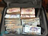 القبض على عصابة السطو المسلح على مركبة لنقل الأموال بالرياض