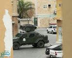 مقتل مطلوبين إثر عملية أمنية في بلدة تاروت بالقطيف – فيديو