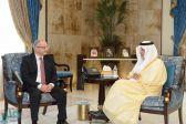 الأمير خالد الفيصل يستقبل الفائز بجائزة الملك فيصل العالمية في فرع الدراسات الإسلامية