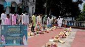 الملحقية الدينية بالهند تواصل توزيع سلال برنامج خادم الحرمين الشريفين لتفطير الصائمين