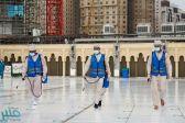 شؤون الحرمين تكثف جهودها لإزالة آثار الأمطار من المسجد الحرام