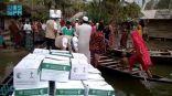 مركز الملك سلمان للإغاثة يوزع 107 أطنان من السلال الغذائية لمتضرري الفيضانات في بنجلاديش