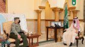 نائب أمير مكة يستقبل مدير جوازات المنطقة المعين حديثاً