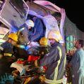 وفاة وإصابة 8 أشخاص في تصادم باص وشاحنة بدولي بيش