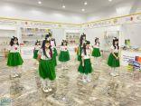 فرقة النيرسان الاستعراضية تجذب الأطفال في معرض الكتاب بالمخواة