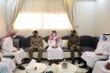 محافظ صامطة يقدم واجب العزاء في وفاة شيخ الفتاحية بني مبارك