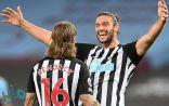 نيوكاسل يسقط وست هام بثنائية في الدوري الإنجليزي