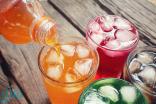 الصحة : المشروبات المحلاة تحتوي على كمية عالية من السكر وتهدد الصحة