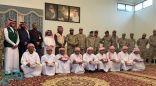 """""""التحالف"""": بدء إجراءات إعادة 9 أطفال جندهم الحوثيون للقتال في صفوفهم (صور)"""