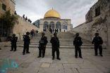 الاحتلال الإسرائيلي يعتقل مصلين من ساحات المسجد الأقصى